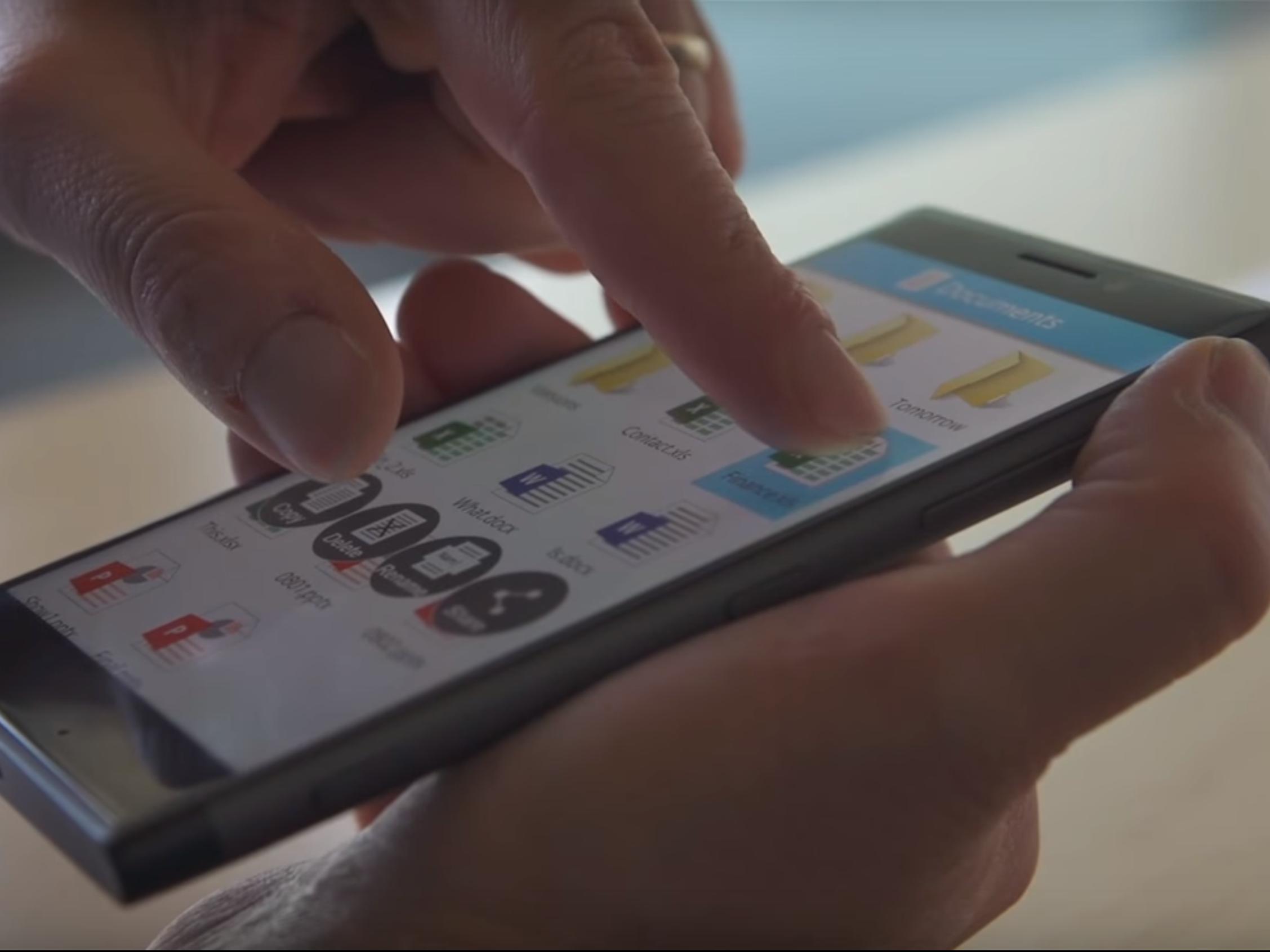apple-should-definitely-copy-microsofts-incredible-finger-sensing-smartphone-technology-1.jpg